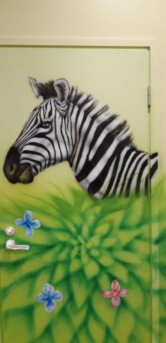 zebra, mural door, dekoracja ścienna