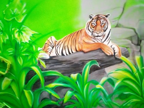 lezący tygrys, tiger mural